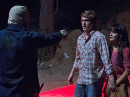 the-town-that-dreaded-sundown-2014-2